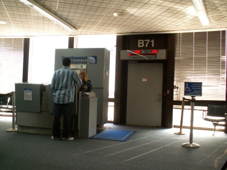 Continental Air ExpressJet, Houston - Check in Desk